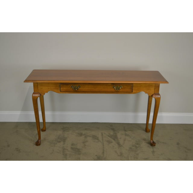Queen Anne Ethan Allen Circa 1776 Collection Maple Queen Anne Sofa Table Console For Sale - Image 3 of 13