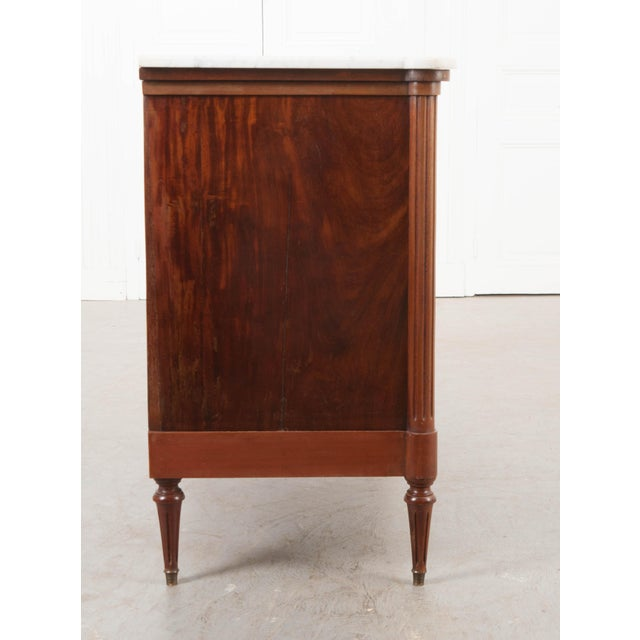 Brown French 19th Century Louis XVI-Style Mahogany Commode For Sale - Image 8 of 11