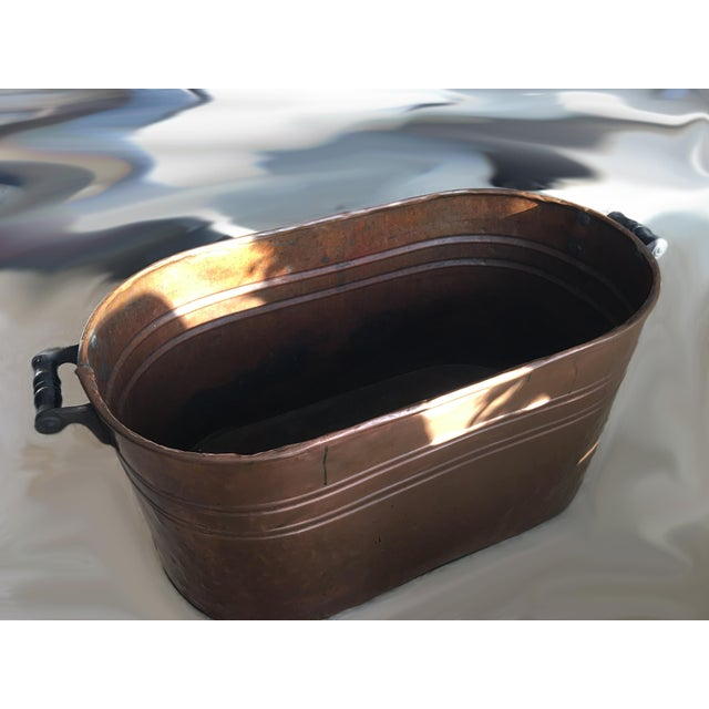 Very Large vintage Copper Boiler Wash Tub Basin with Wood Handles. Great decorative and functional piece for your house....