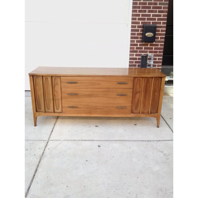 """Beautiful Mid-Century Kent Coffey """"Town House"""" 9 drawer dresser credenza for sale. It is in excellent condition; very well..."""