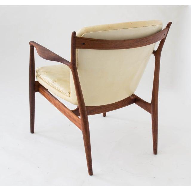 """Danish Modern Finn Juhl """"Delegate"""" Armchair For Sale - Image 3 of 11"""