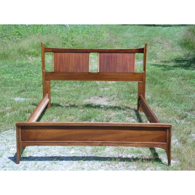 Vintage Mid Century Modern Walnut Kent Coffey Town House Double Full Bed Frame For Sale - Image 10 of 13
