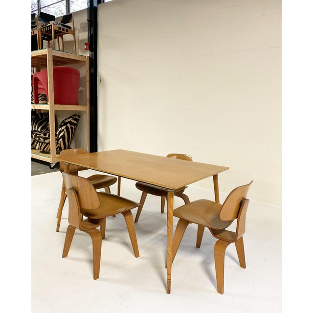 Metal 1950s Charles and Ray Eames for Herman Miller Dtw-3 Table & Dcw Dining Chairs - Set of 4 For Sale - Image 7 of 9