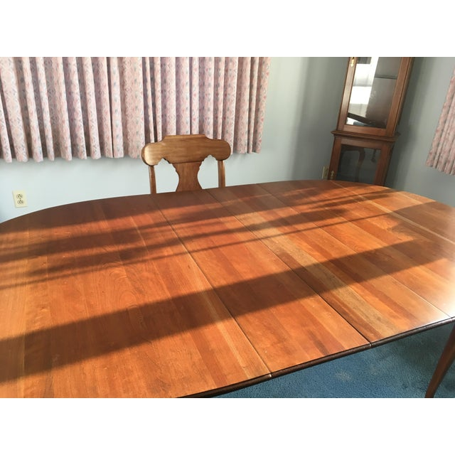 Pennsylvania House Dining Room Table With 4 Chairs - Image 7 of 8