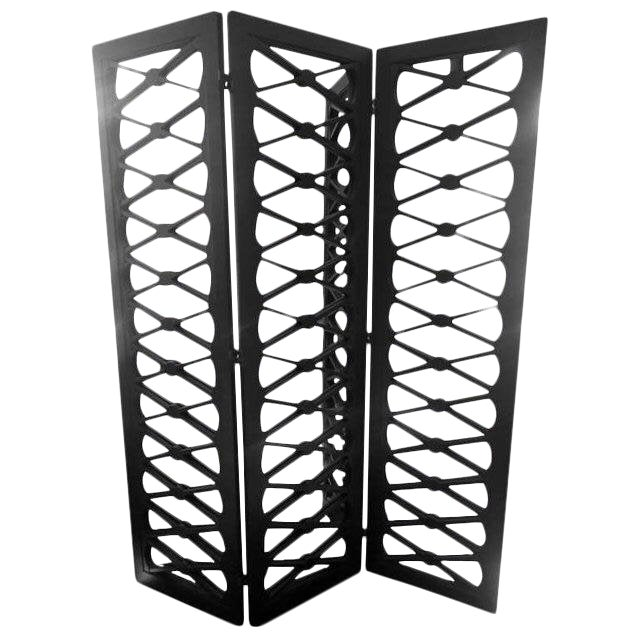 1970s Mid-Century Modern Handsome X Motif Mirrored 3 Panel Screen For Sale