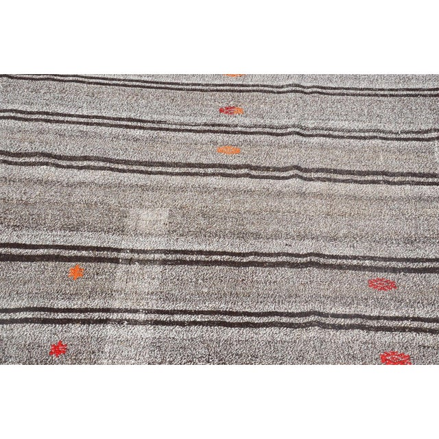 Vintage Turkish Gray Kilim Rug - 5′ × 7′11″ For Sale - Image 4 of 6