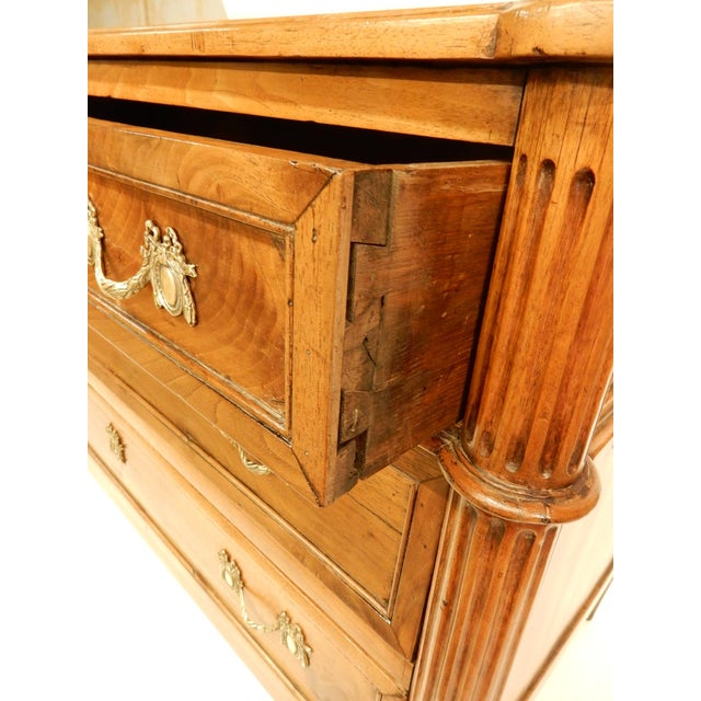 Louis XVI Walnut 19th Century Commode For Sale In New Orleans - Image 6 of 10