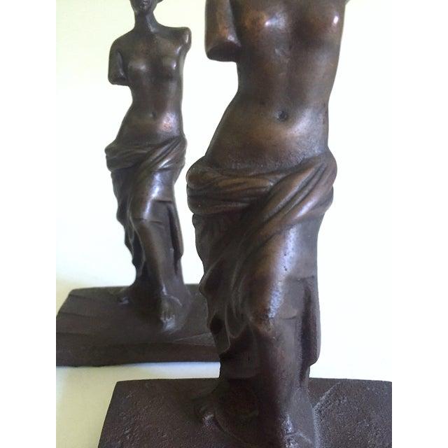 """Vintage 1920's Rare """" Venus De Milo """" Cast Iron Bronze Neoclassical Bookend Statues - a Pair For Sale - Image 9 of 13"""