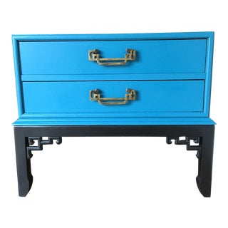 1970s Hollywood Regency Blue Hekman Side Table With Two Drawers For Sale