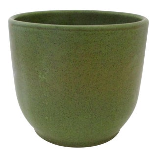 Contemporary Gainey Avocado Ceramic Planter For Sale