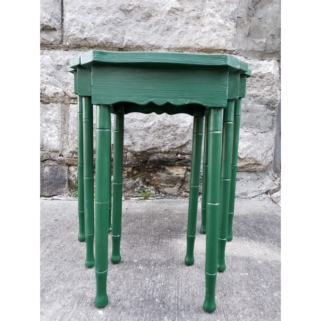 Green Vintage Cane Wicker & Painted Wood Palm Tree Motif Nesting Table - Set of 3 For Sale - Image 8 of 9
