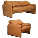 Image of Maralunga Club Chair and Loveseat by Vico Magistretti for Cassina, Circa 1973 For Sale