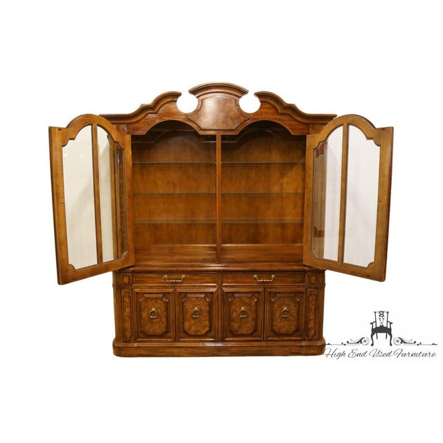 """Federal Thomasville Furniture Contessina Collection 72"""" Lighted China Cabinet For Sale - Image 3 of 13"""