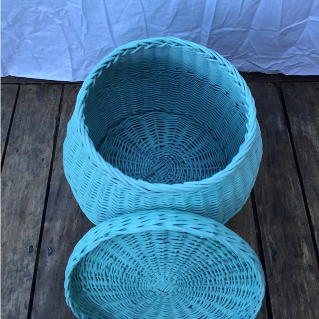 Vintage Turquoise Lidded Wicker Basket - Image 6 of 10