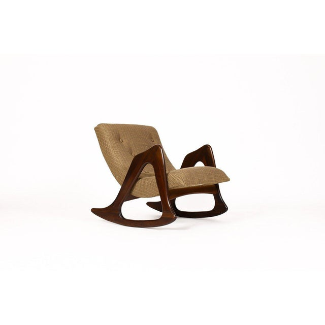 Craft Associates 1960s Danish Modern Adrian Pearsall for Craft Associates Walnut Lounge Rocker For Sale - Image 4 of 6