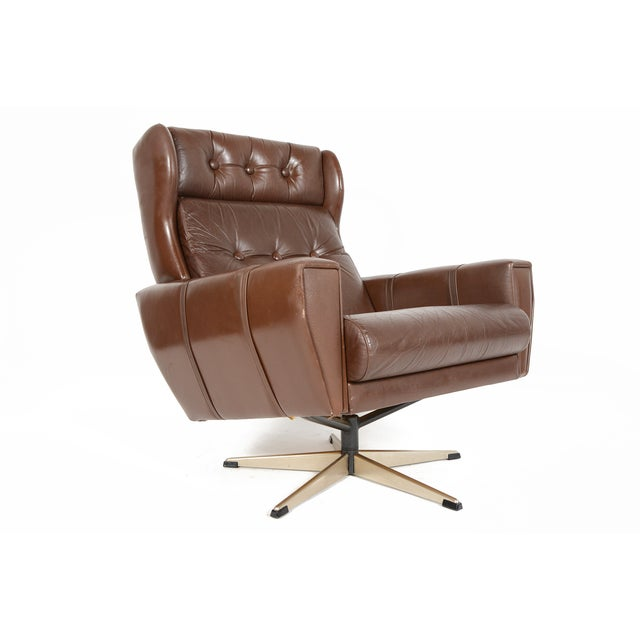 High Back Brown Leather Swivel Lounge Chair - Image 2 of 10