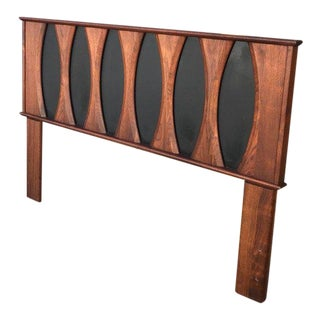 Mid-Century Modern Walnut Headboard after Glenn of California Full Size For Sale