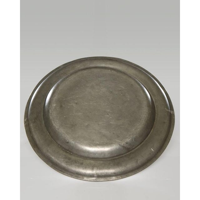 Pair of Large Pewter Chargers, England c.1820 For Sale In Houston - Image 6 of 6