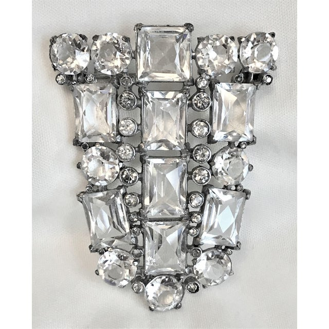 Art Deco Clear Faceted Glass Brooch For Sale - Image 4 of 7