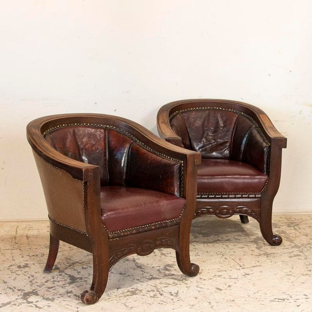 Early 20th Century Vintage Leather Sofa and Arm Chairs - Set of 3 For Sale - Image 5 of 11