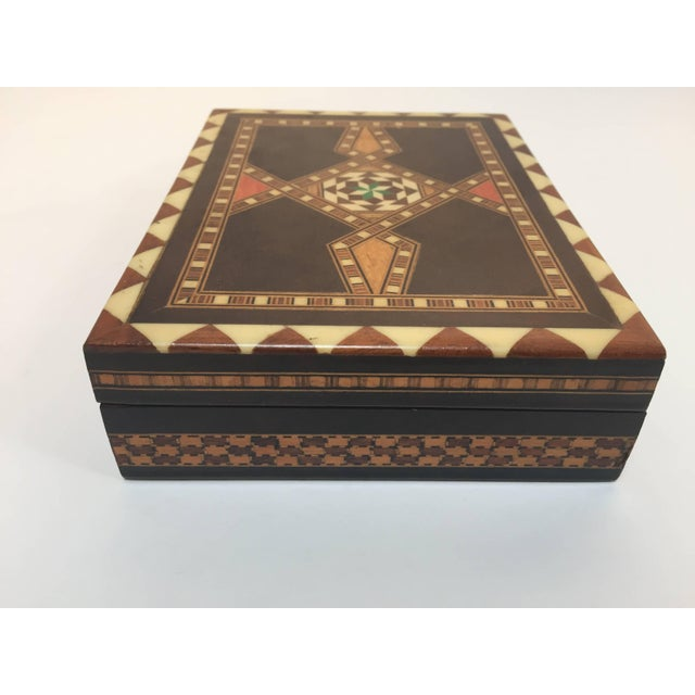 Islamic Middle Eastern Syrian Inlaid Marquetry Mosaic Box For Sale - Image 3 of 7