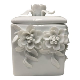 Mid-Century Porcelain Trinket Box W/ Three-Dimensional Flowers, White For Sale