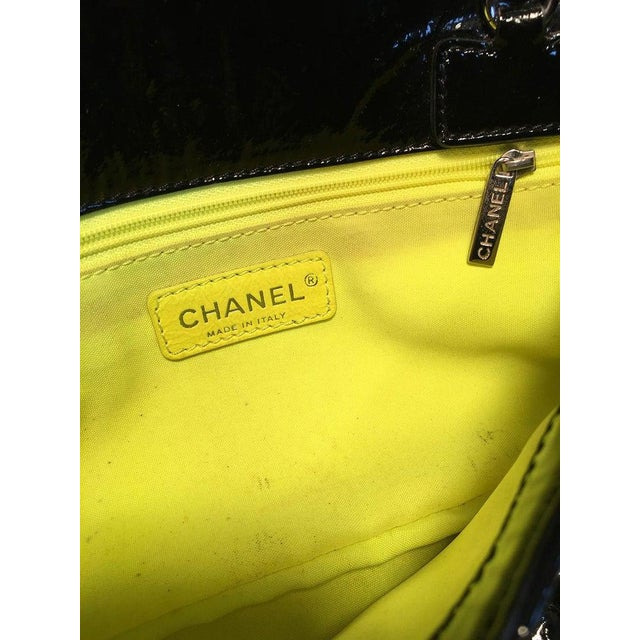 Chanel Black Patent Leather 2 Way Classic Flap Shoulder Bag For Sale - Image 10 of 13