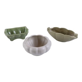 Mid-Century Green Ceramic Catchalls - Set of 3 For Sale