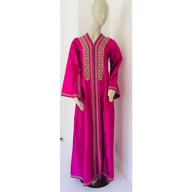 Gold Moroccan Vintage Caftan 1970s Kaftan Maxi Dress Hot Pink Fuchsia For Sale - Image 8 of 13