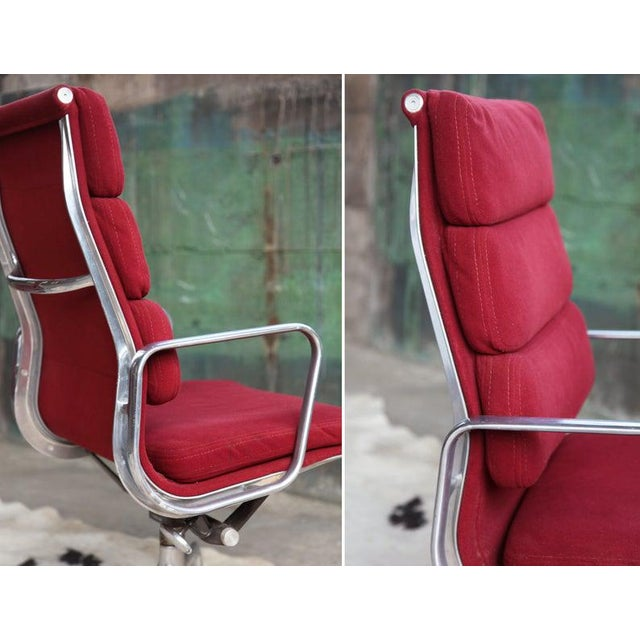 Herman Miller 1970s Eames Herman Miller Aluminum Soft Pad Reclining Executive Lounge Chairs - Set of 8 For Sale - Image 4 of 11