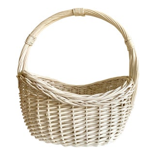 White Farmhouse Wood Woven Basket For Sale