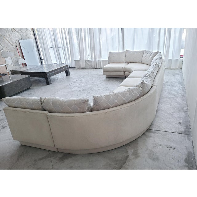Directional Monumental Curved Modular Sectional Sofa by Directional For Sale - Image 4 of 9