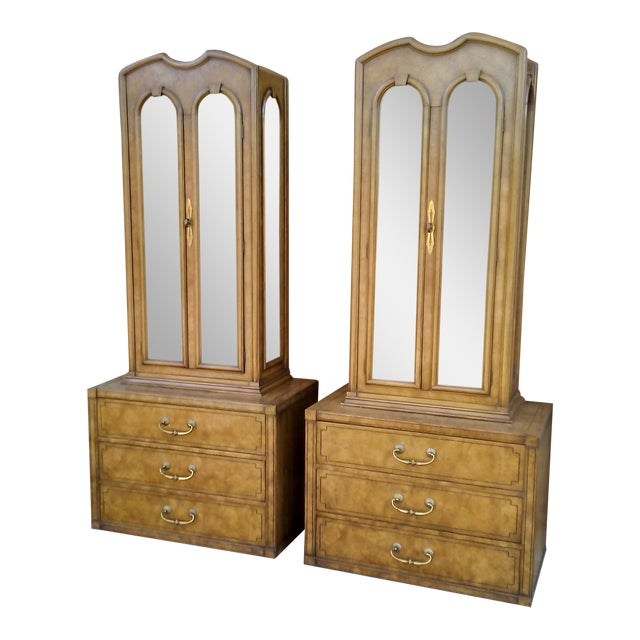 Mastercraft Regency Display Cabinets - A Pair - Image 1 of 10