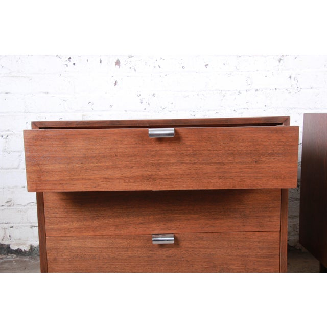 George Nelson for Herman Miller Walnut Three-Drawer Bachelor Chests or Nightstands, Pair For Sale In South Bend - Image 6 of 10