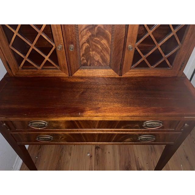 Wood 20th Century Traditional Kittinger Gainsborough Flame Mahogany Secretary Desk For Sale - Image 7 of 9