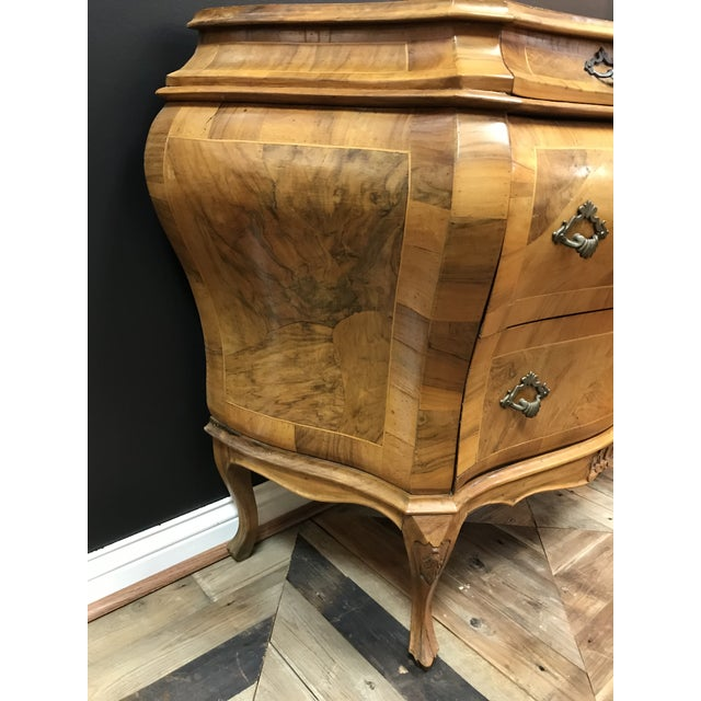 Olivewood Veneer Verona Italian Rococo Revival Bombe Commode 3 Drawer Chest For Sale - Image 9 of 13