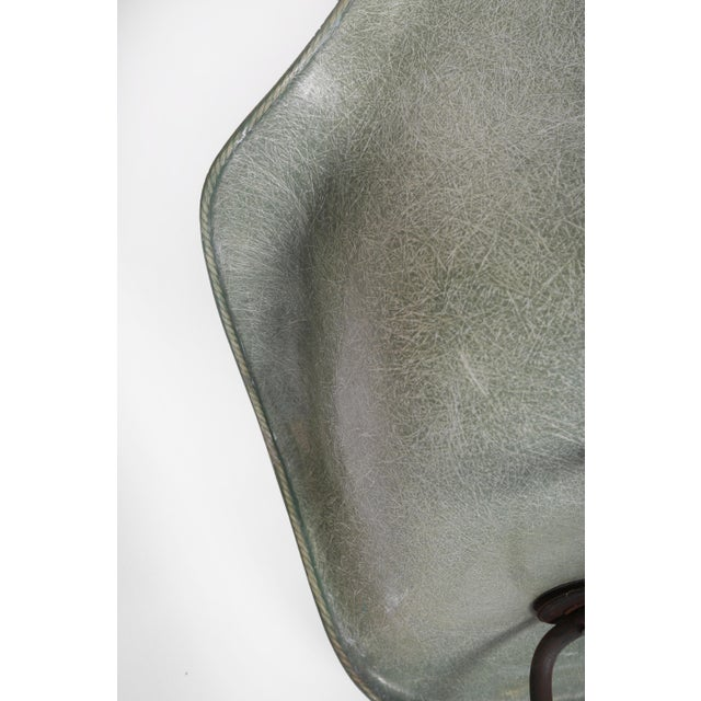Greige 1950 1st Generation Eames Dax Shell Chair For Sale - Image 8 of 12