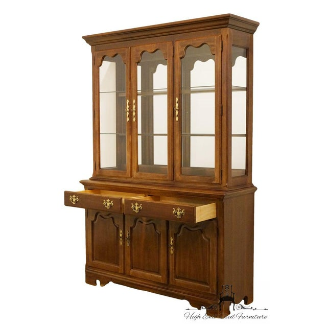 "Late 20th Century Thomasville Furniture Winston Court Collection 56"" China Cabinet For Sale - Image 5 of 13"