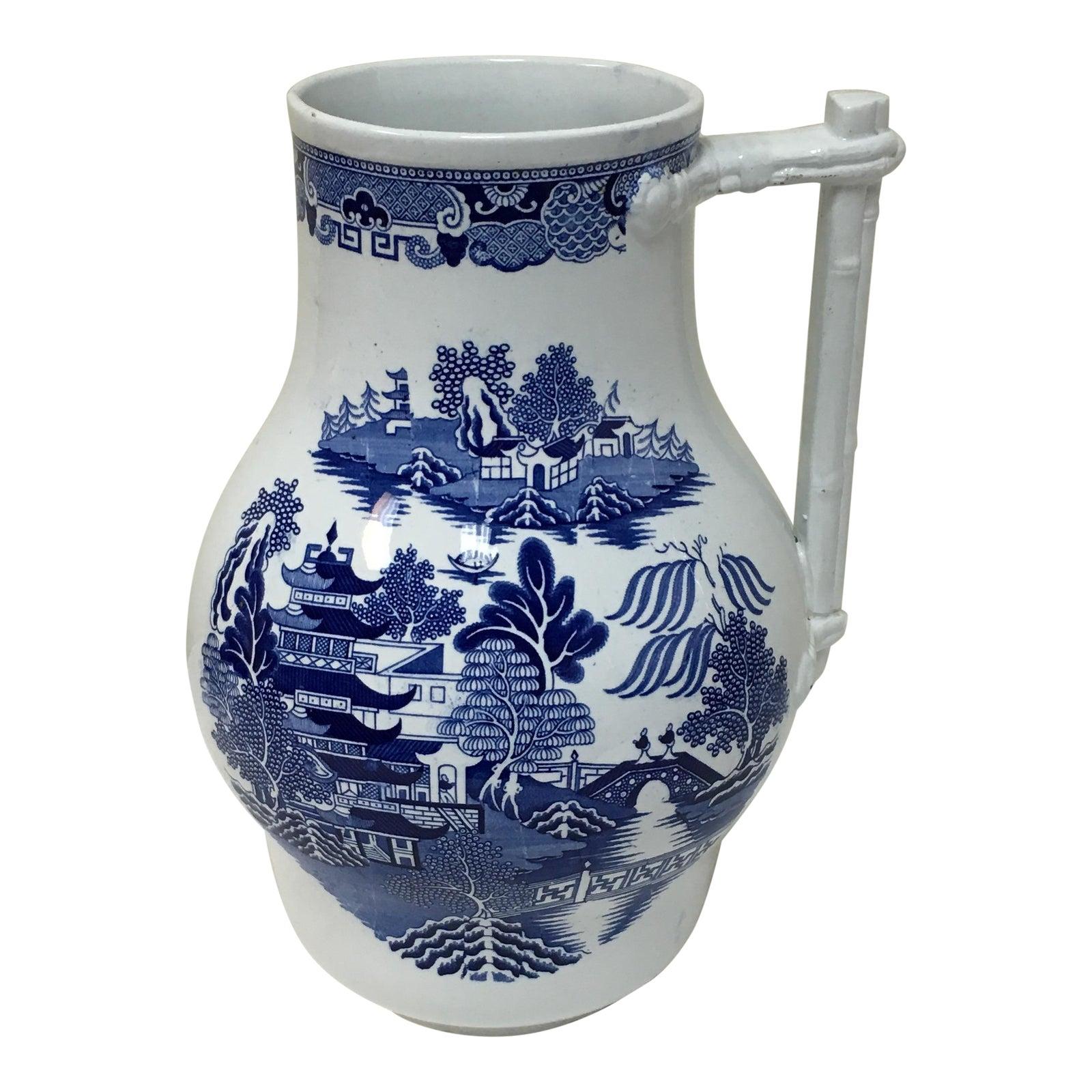 Vintage Blue Willow Vase | Chairish