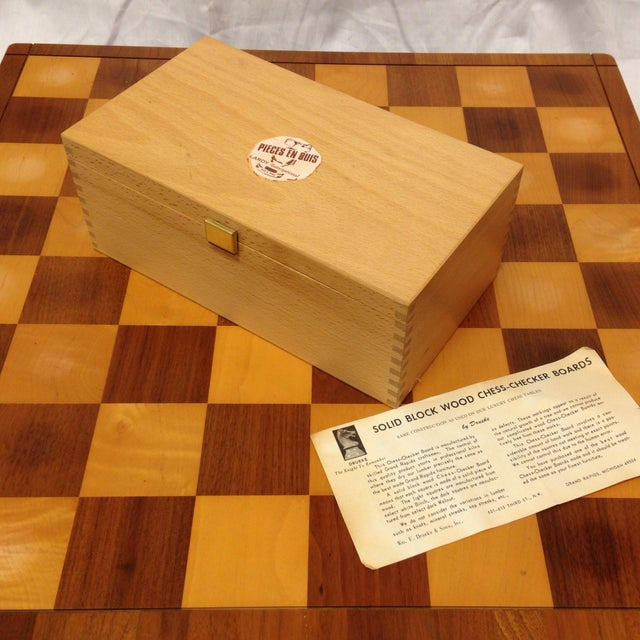 Brown Vintage Drueke & Sons Chess Set in Walnut For Sale - Image 8 of 8