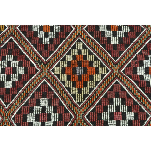 Vintage Turkish Antalya Embroidered Kilim Rug- 4′8″ × 9′7″ For Sale - Image 6 of 13