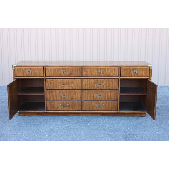 Mid-Century Modern Campaign Drexel Heritage Accolade II Low 10 Drawer Dresser For Sale - Image 3 of 11
