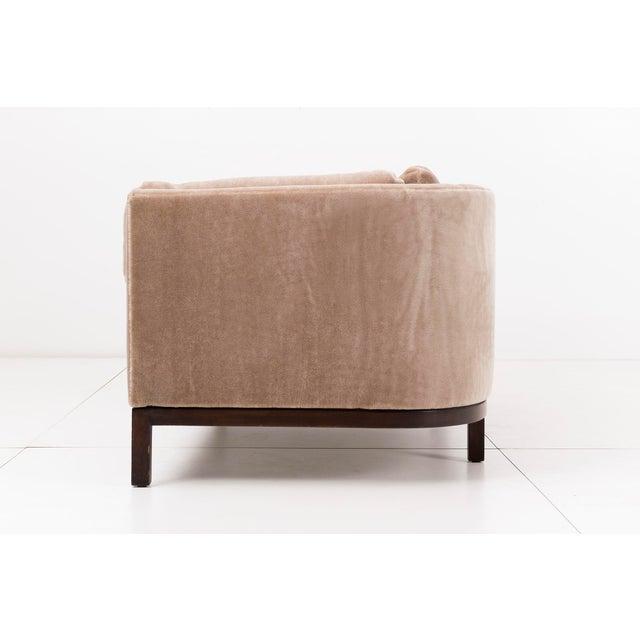 1960s Roger Sprunger Curved Back Sofa for Dunbar For Sale - Image 5 of 10