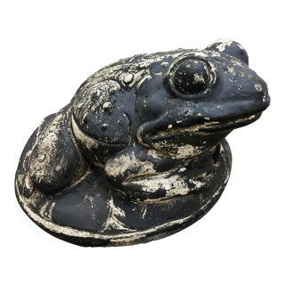 Vintage A. Silvestri Co. Cast Stone Frog Garden Ornament For Sale