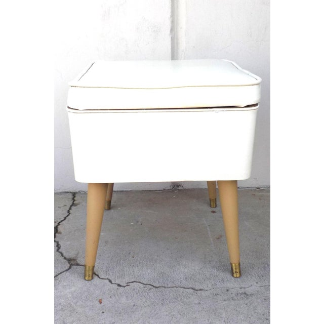 Mid-Century Modern White Leatherette Storage Stool - Image 4 of 7