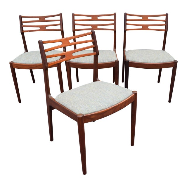 Vintage Johannes Andersen for Vamo Mobelfabrik Danish Modern Teak Model 101 Dining Chairs - Set of 4 For Sale