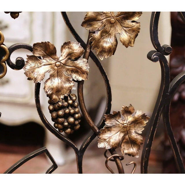 Mid-20th Century French Louis XV Wrought Iron Fireplace Screen With Vine Motifs For Sale - Image 4 of 10