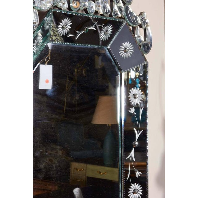 Etching Extra Large 1940s Italian Hollywood Regency Venetian Mirror With Elaborate Etching For Sale - Image 7 of 8
