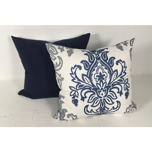Medallion Motif Blue & White Pillows – a Pair For Sale In Philadelphia - Image 6 of 9