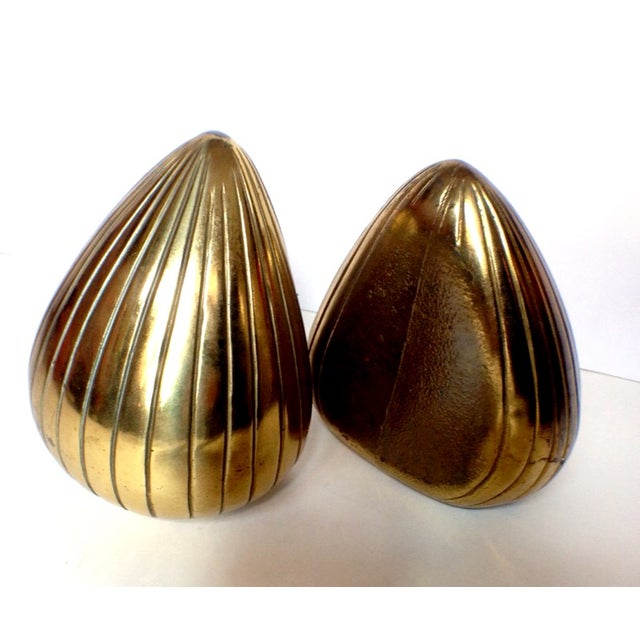 "Hollywood Regency Vintage Ben Seibel Brass ""Clam"" Bookends - Pair For Sale - Image 3 of 5"